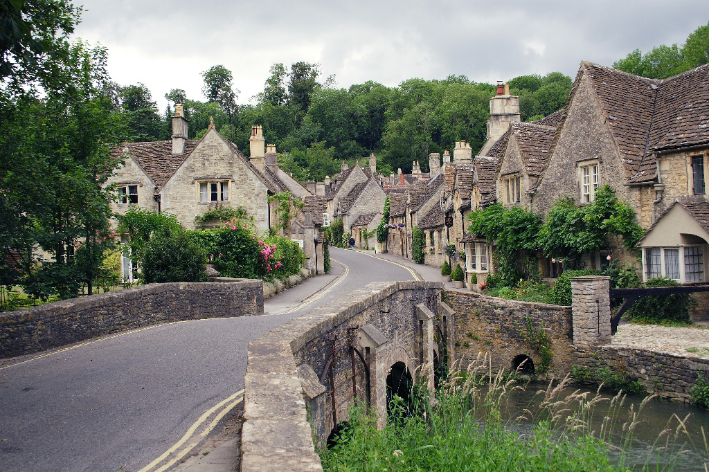 Looking_up_Water_Street,_Castle_Combe